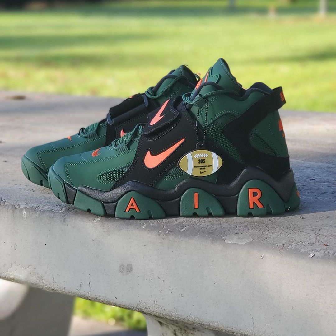 NIKE AIR BARRAGE MID SUPER BOW