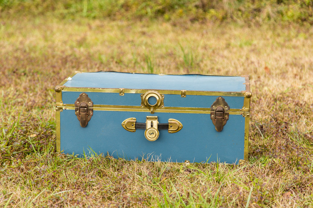 Lounge Furniture - Vintage Trunk [blue and gold]