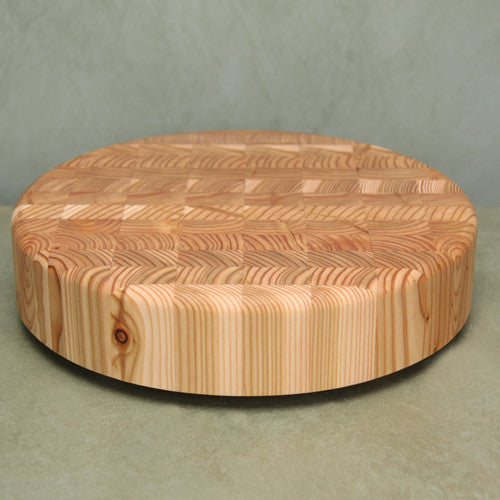 Round cutting or serving board
