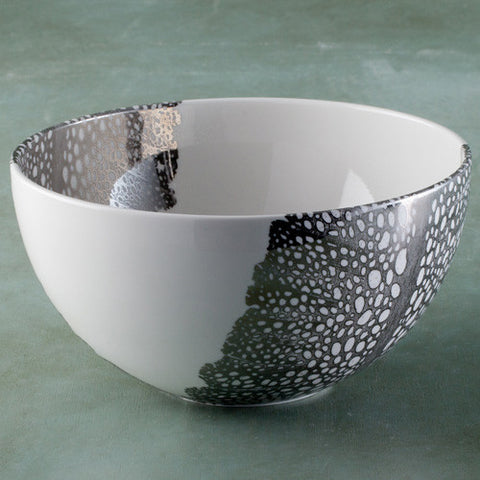 Medium serving bowl with sea fan design
