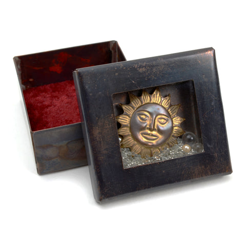 Reliquary box with sun