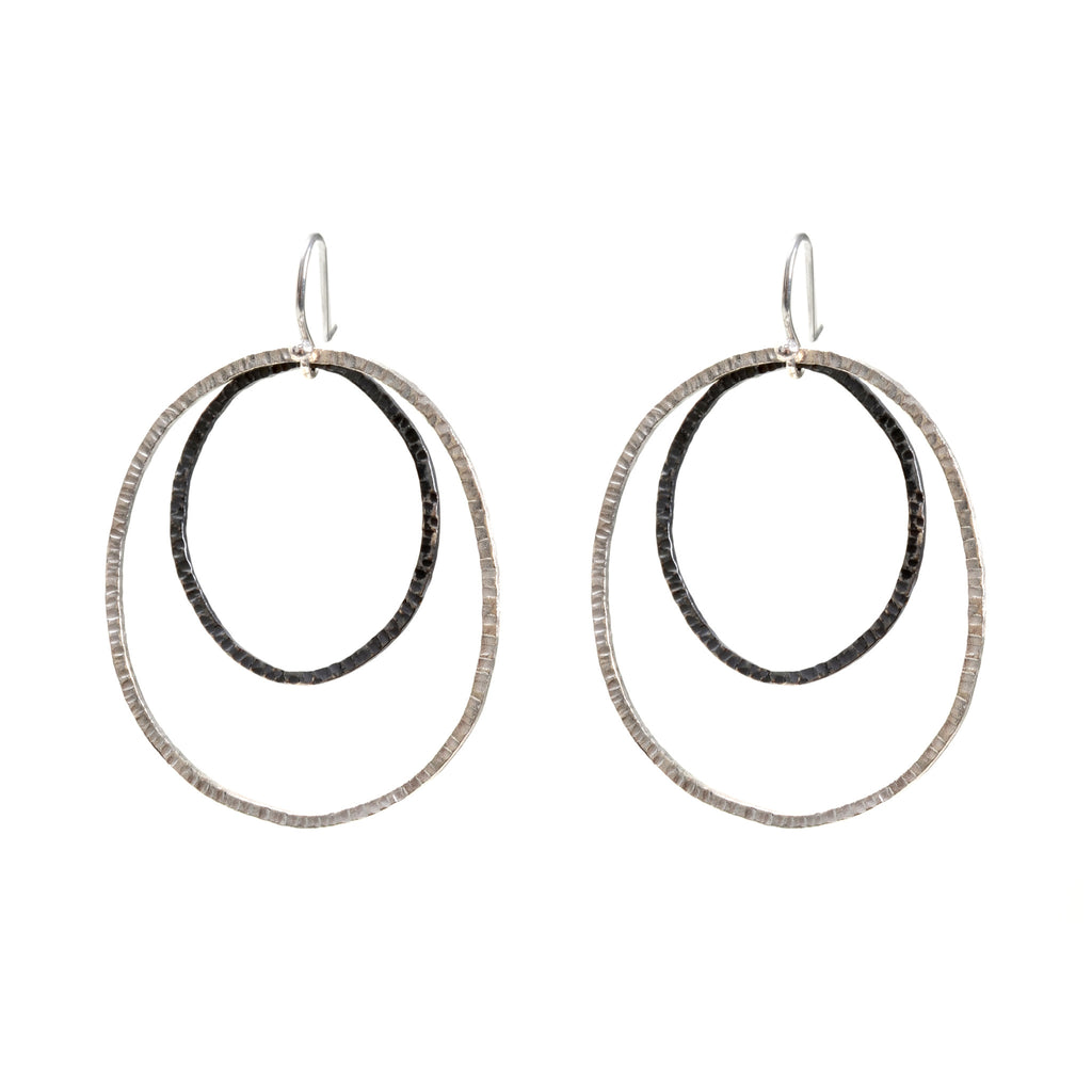 Double circles in sterling and oxidized sterling on a wire