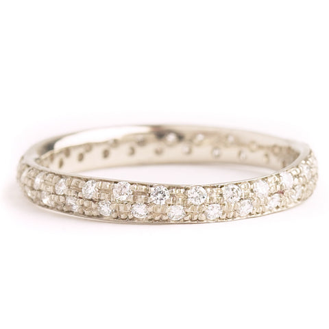 Anne Sportun14kwg narrow band set with half pave diamonds