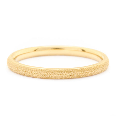 Anne Sportun 14kwg stardust 2mm curved plain band