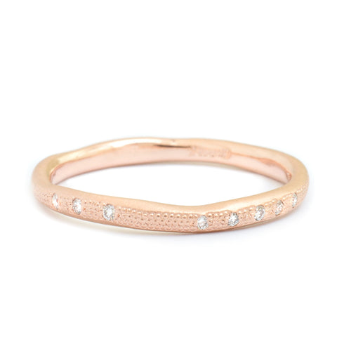 Anne Sportun 18kyg stardust wavy textured band pave set