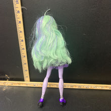 Load image into Gallery viewer, Collectible 13 Wishes Twyla doll