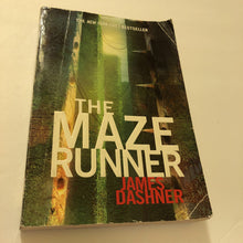 Load image into Gallery viewer, The Maze Runner (James Dashner) -series