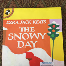 Load image into Gallery viewer, The Snowy Day (Ezra Jack Keats) -paperback