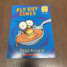 Load image into Gallery viewer, Fly Guy Dines (Scholastic)-Reader