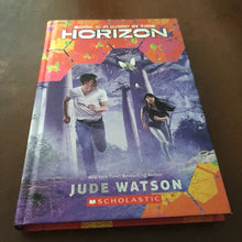 Load image into Gallery viewer, A Warp in Time (Horizon) (Jude Watson) -series