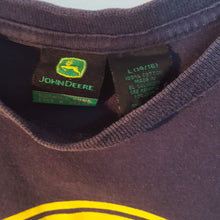Load image into Gallery viewer, john deere t-shirt