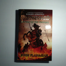 Load image into Gallery viewer, Return of the Temujai (The Brotherband Chronicles) (John Flanagan) -hardcover series