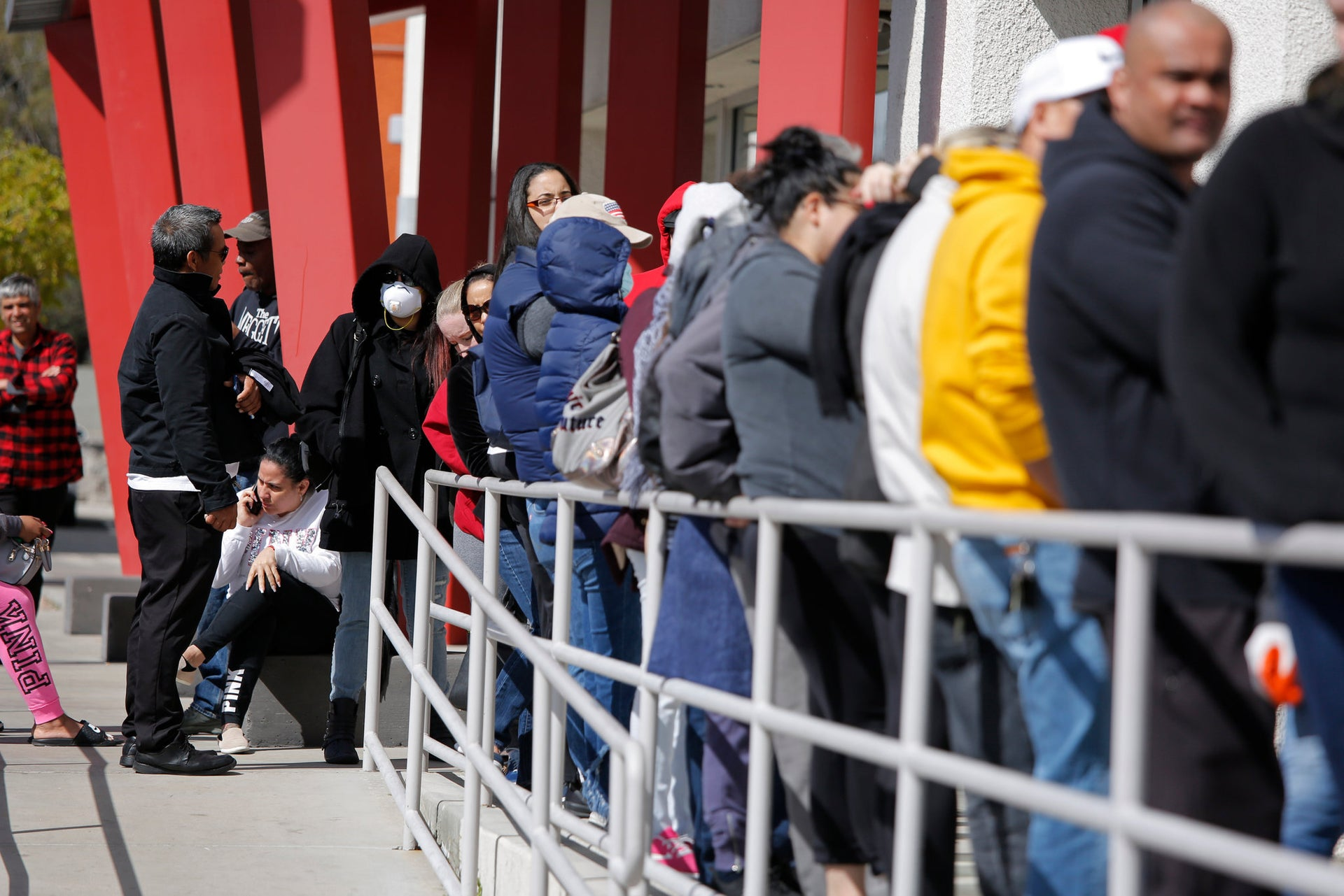 Unemployment claims top 26 million 5 weeks into pandemic