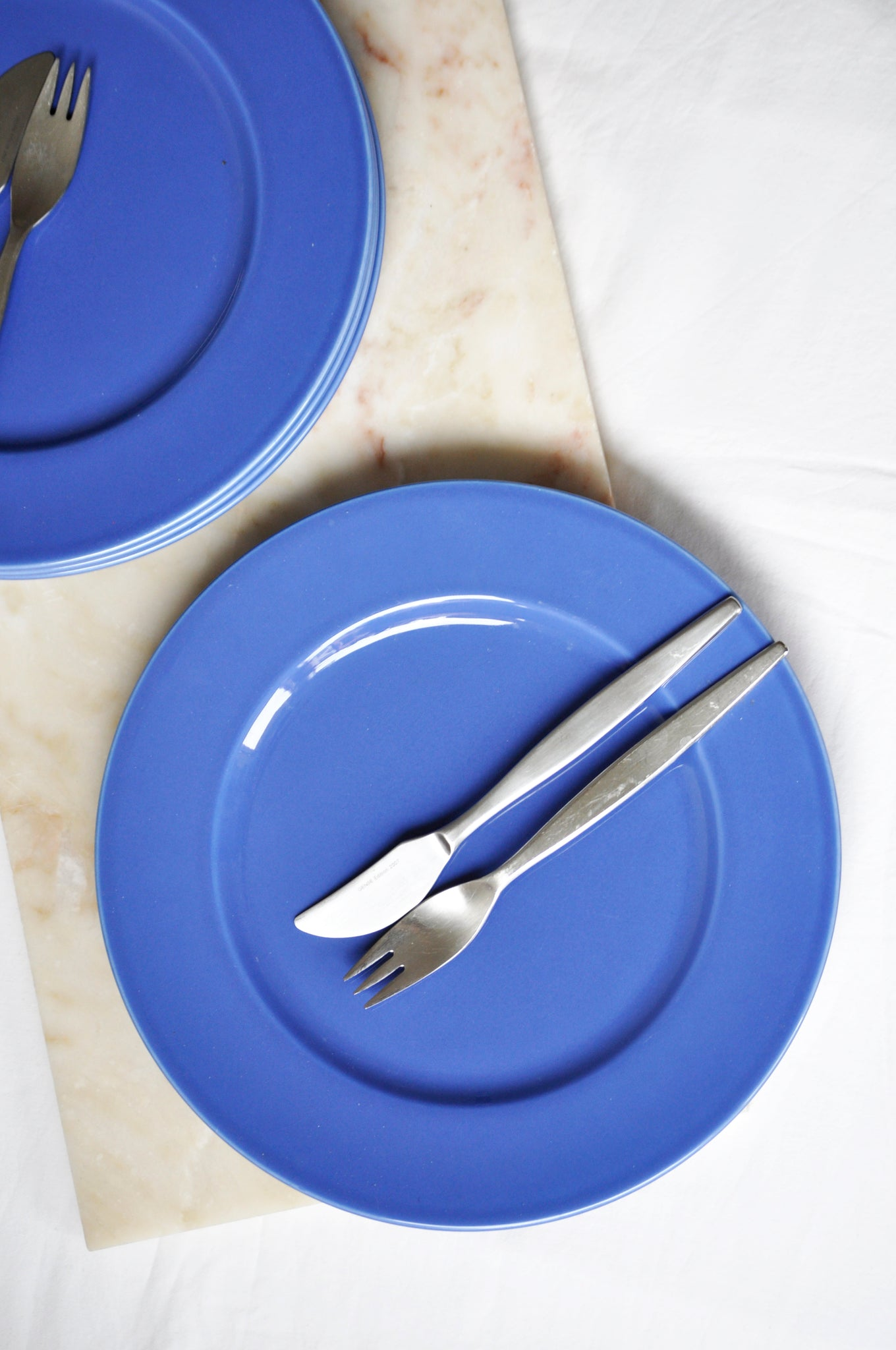 VINTAGE ITALIAN BLUE DINNER PLATES - SET OF FOUR