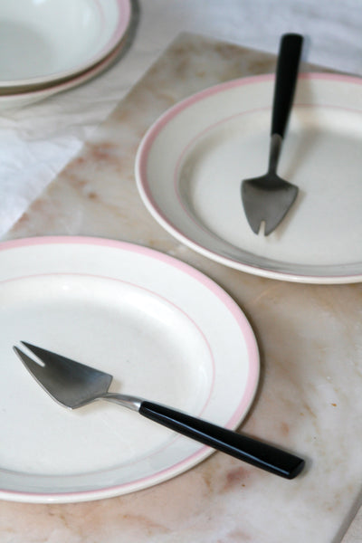 VINTAGE LUNCH PLATES PINK STRIPE - SET OF TWO