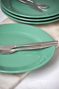 VINTAGE GREEN DINNER PLATES - SET OF FOUR