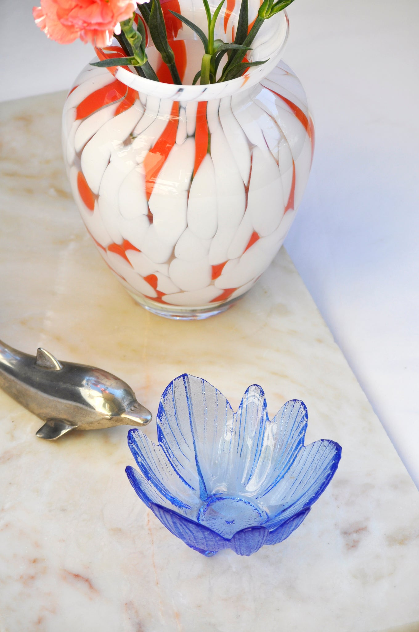 VINTAGE BLUE LEAF BOWL