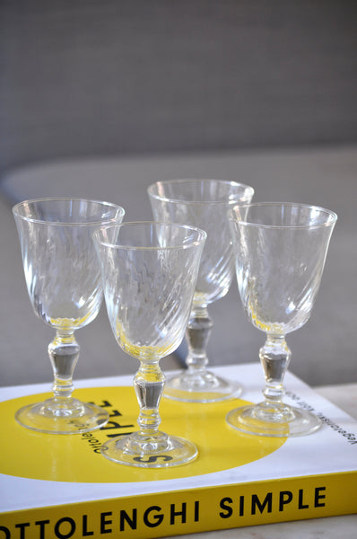 VINTAGE FRENCH SWIRL GLASSES - SET OF FOUR