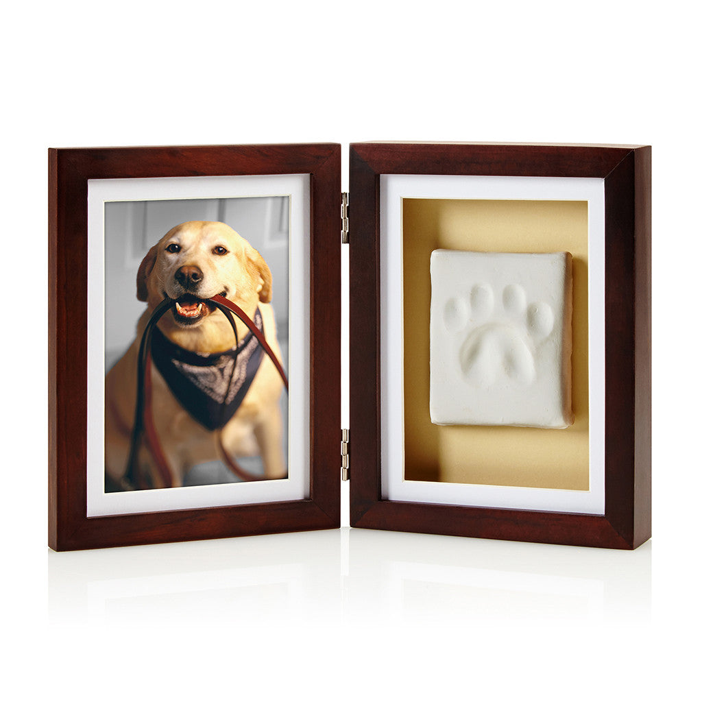 Pet Business features Pearhead's pawprints desk frame