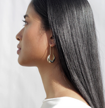 Load image into Gallery viewer, Pichulik Lua earrings