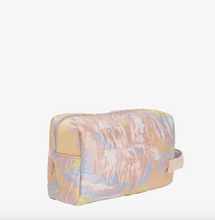 Load image into Gallery viewer, HVISK Aver Toiletry Bag - Peach