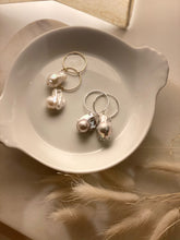 Load image into Gallery viewer, Joie DiGiovanni Silver Baroque Pearl Hoop Earrings