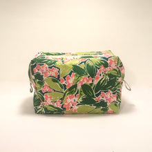 Load image into Gallery viewer, Cotton Print Dopp Kit