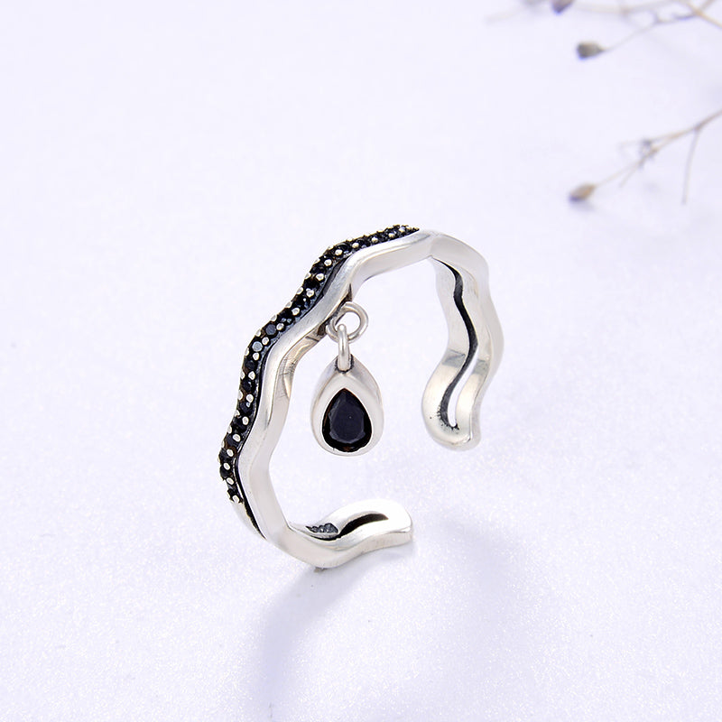 Dangle Teardrop Ring
