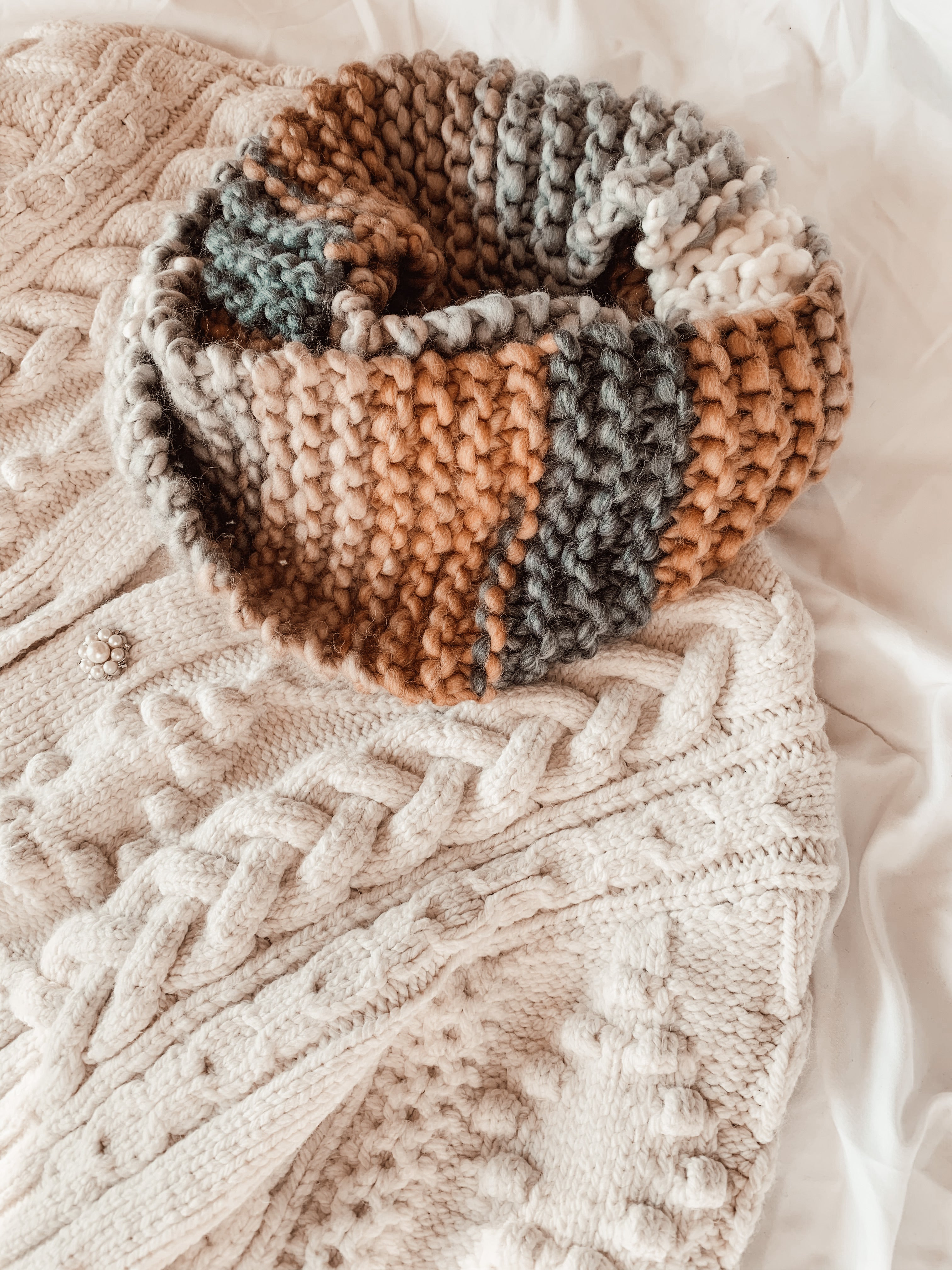 *PRE-ORDER* The Harlow Infinity Scarf - Winter En Couleur Collection