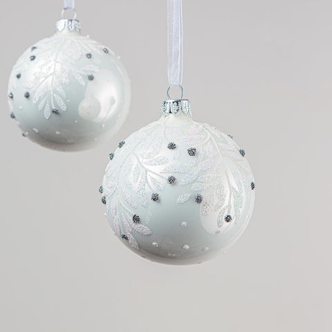 Set of 6 white baubles