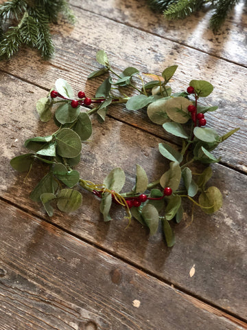 Small berry & leaf wreath