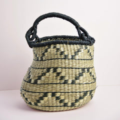 patterned seagrass basket with handle