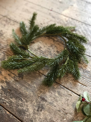 Small faux fur wreath