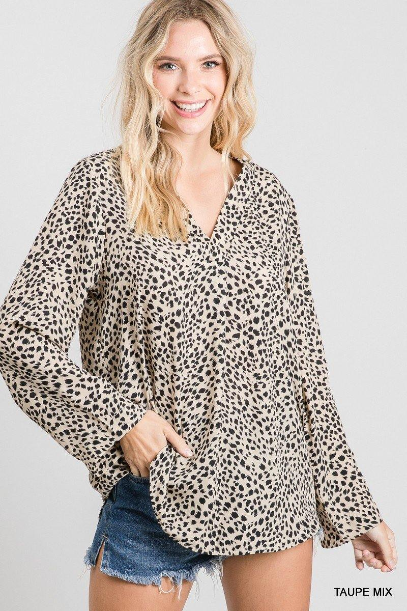 MOLLY CHEETAH PRINT V NECK LONG SLEEVE TOP