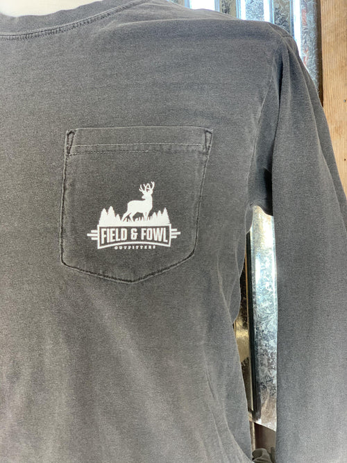 FIELD & FOWL BUCK ARCHED LS POCKET TEE - Patton's