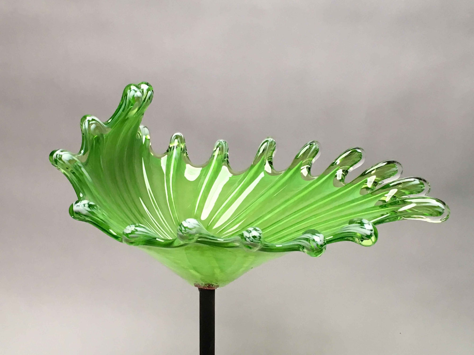 Birdbath Splash Opaque Light Green White
