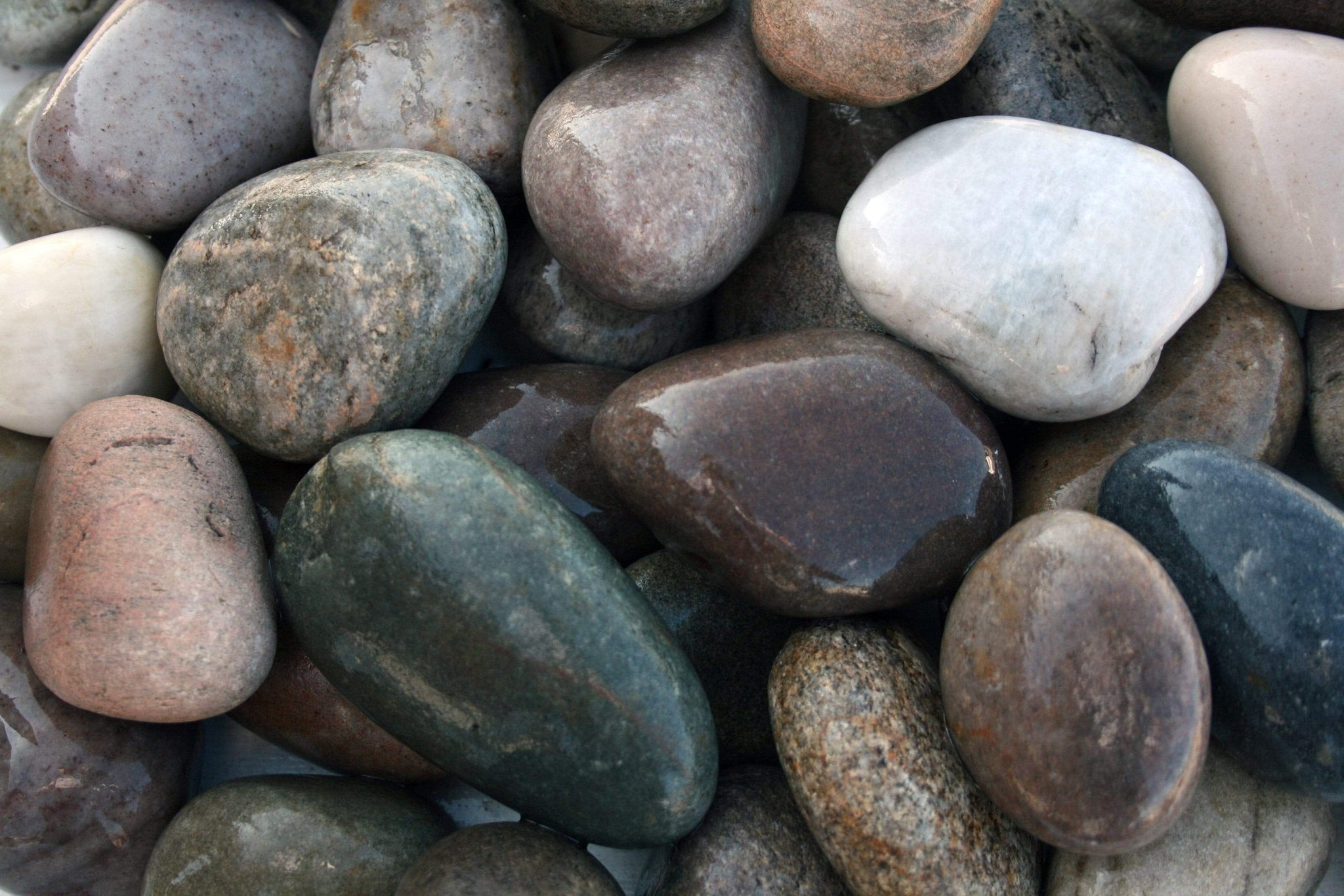 Crafty Gardens 30-50mm / Large Pack (20kg) Scottish Beach Pebble CAL50P