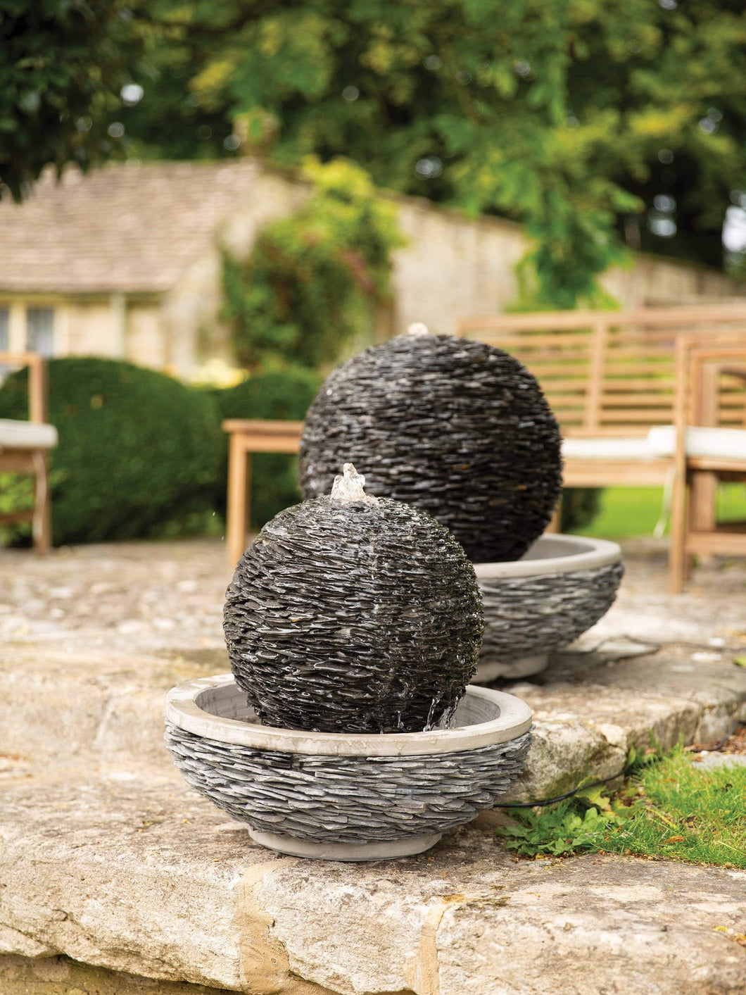 Crafty Gardens Lagoon Slate Sphere Water Feature YLAGOONL