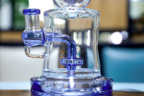 Is glass water pipes lung disease the new crown pneumonia? The new round of glass water pipes rumors