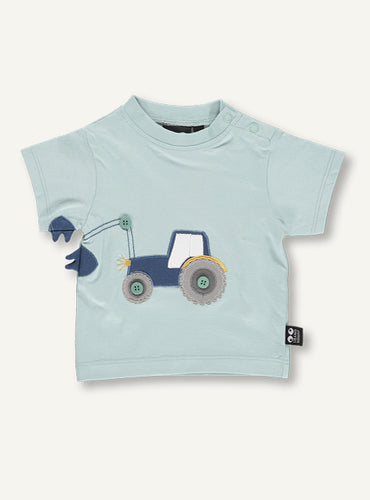 UBANG t-shirt with short sleeves in light blue. It has a tractor on the front and the grab continues on one sleeve.