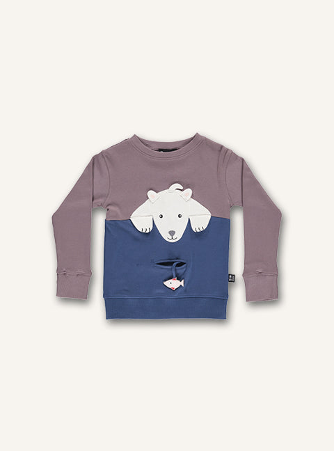UBANG long-sleeved polarbear t-shirt in the colour woodrose and blue. It has a polarbear on the front and a small pocket underneath with a fish.