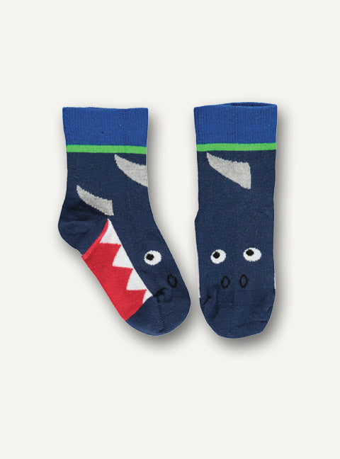 UBANG ankle socks with a shark motif. The socks are black, blue, green, grey and red.