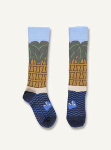 UBANG Holiday socks with palm trees, tropical and water.