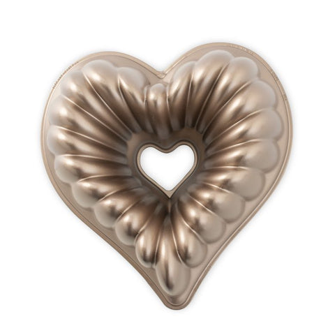 Bundt Elegant Heart Pan