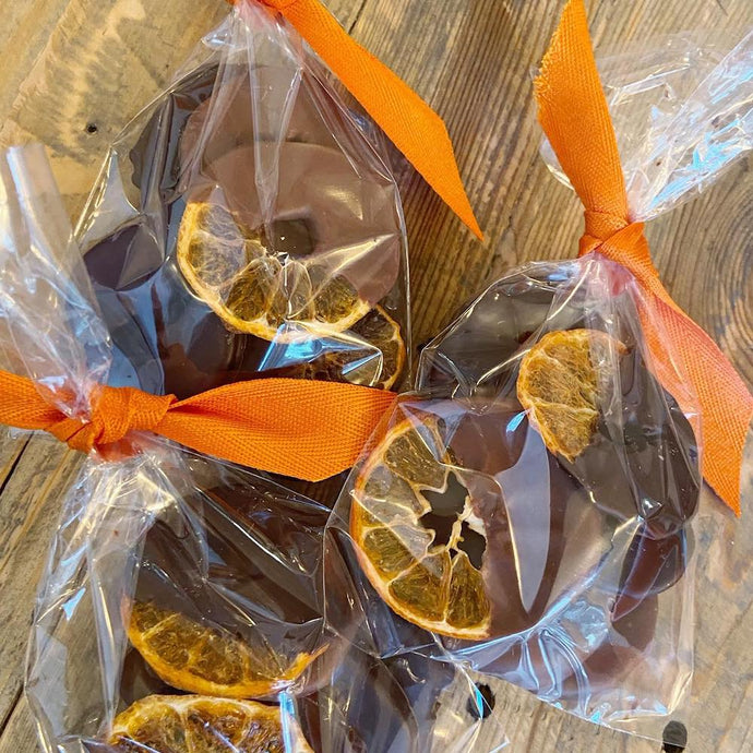 Pure chocolate dipped dried oranges (6pcs) R69.99
