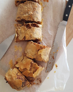 The Strudel Lady: Apple Strudel - One Strudel (6 slices)