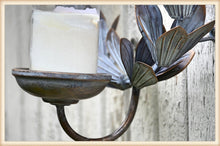 Load image into Gallery viewer, Laurel Wreath Sconce