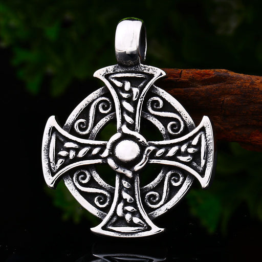 Vintage round brand Viking Celtic knot necklace pendant