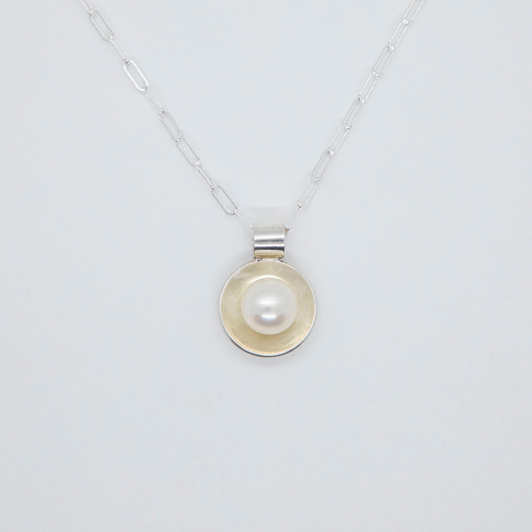 CUP PEARL PENDANT