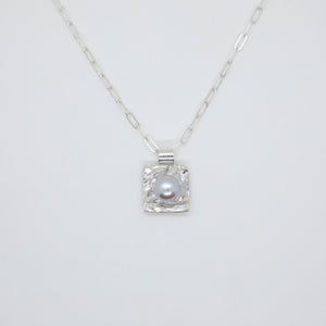 SQUARE CUP PENDANT WITH PEARL